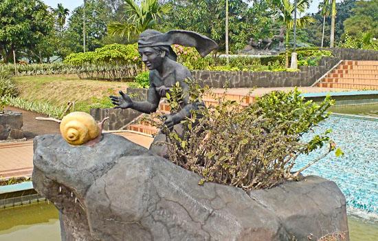 Golden Snail Flower Garden TMII, Jakarta